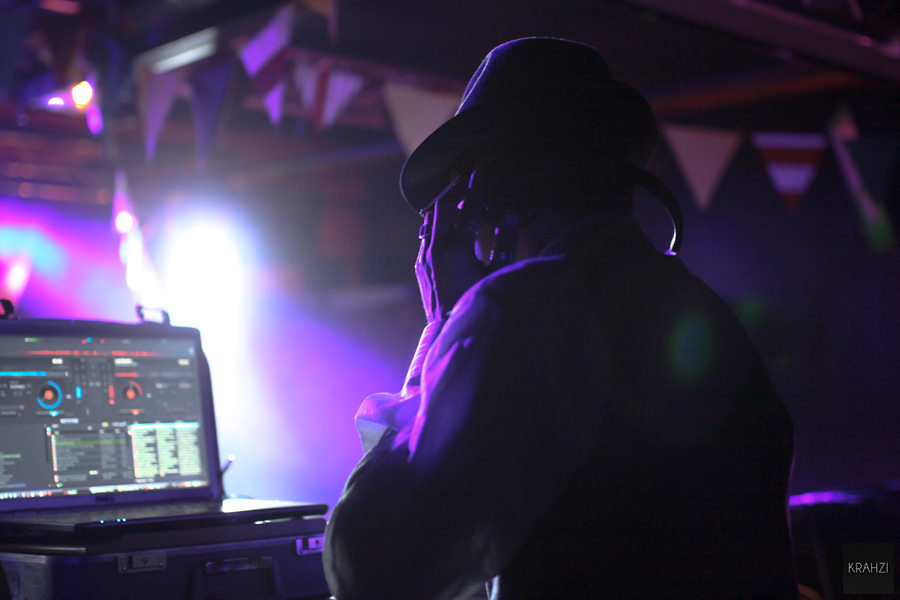 WoundedCarnivale-4-03.jpg